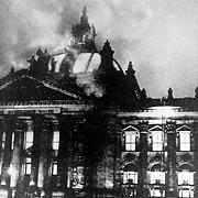 reichstag-fire-1933.jpg